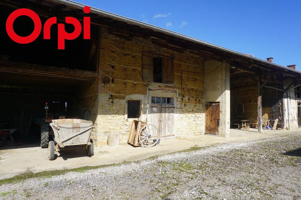 Maison à vendre 4 200m2 à Bény vignette-1