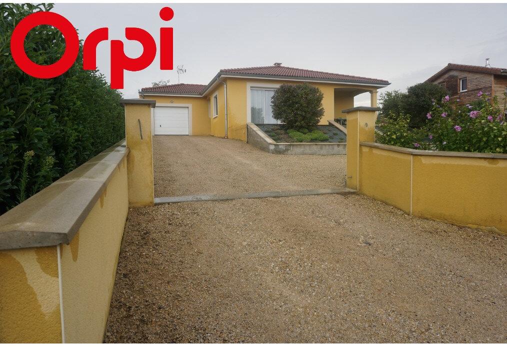 Maison à vendre 4 101m2 à Montrevel-en-Bresse vignette-1