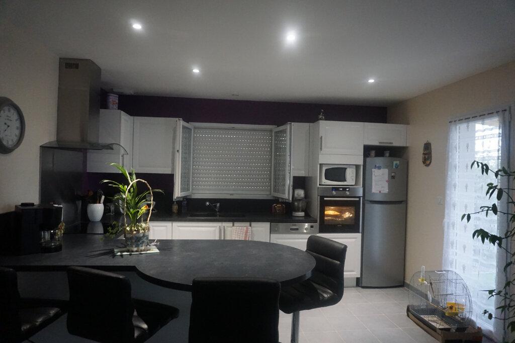 Maison à vendre 4 101m2 à Montrevel-en-Bresse vignette-3