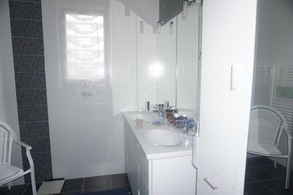 Maison à vendre 4 101m2 à Montrevel-en-Bresse vignette-5