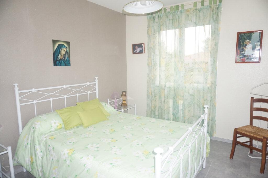 Maison à vendre 4 101m2 à Montrevel-en-Bresse vignette-6