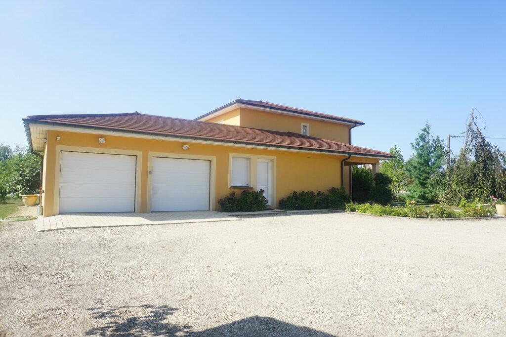 Maison à vendre 8 218m2 à Malafretaz vignette-2