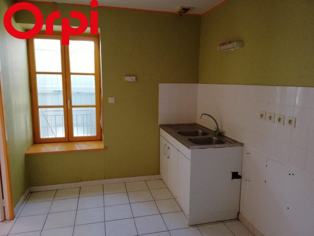 Appartement à vendre 4 74m2 à Pont-de-Veyle vignette-1