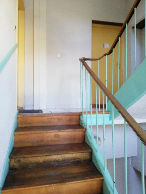 Appartement à vendre 4 74m2 à Pont-de-Veyle vignette-3