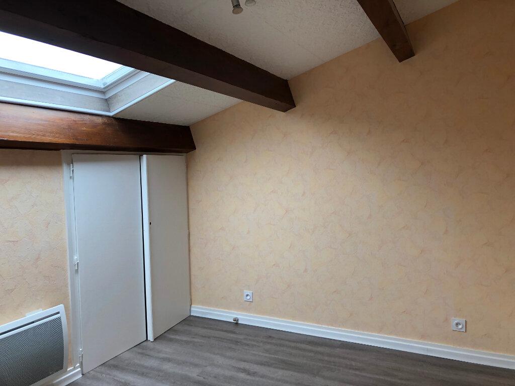 Appartement à vendre 4 80m2 à Montrevel-en-Bresse vignette-5