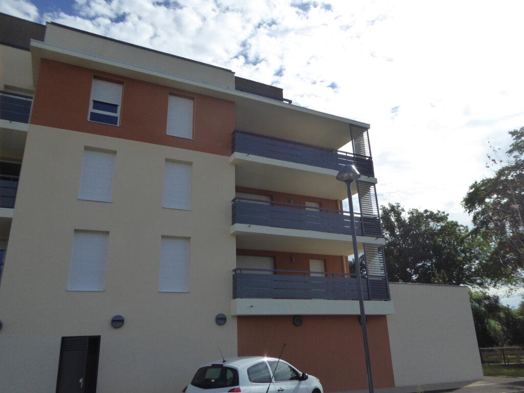 Appartement à vendre 4 75.48m2 à Montrevel-en-Bresse vignette-2