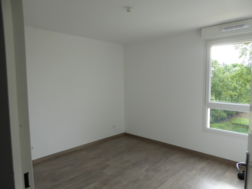 Appartement à vendre 4 75.48m2 à Montrevel-en-Bresse vignette-5