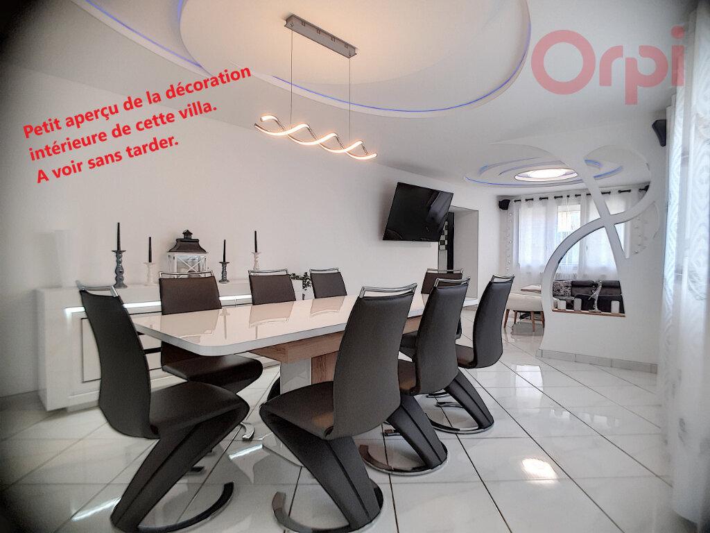 Maison à vendre 8 240m2 à Curtafond vignette-1