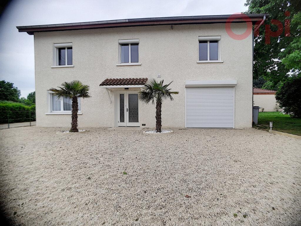 Maison à vendre 8 240m2 à Curtafond vignette-14