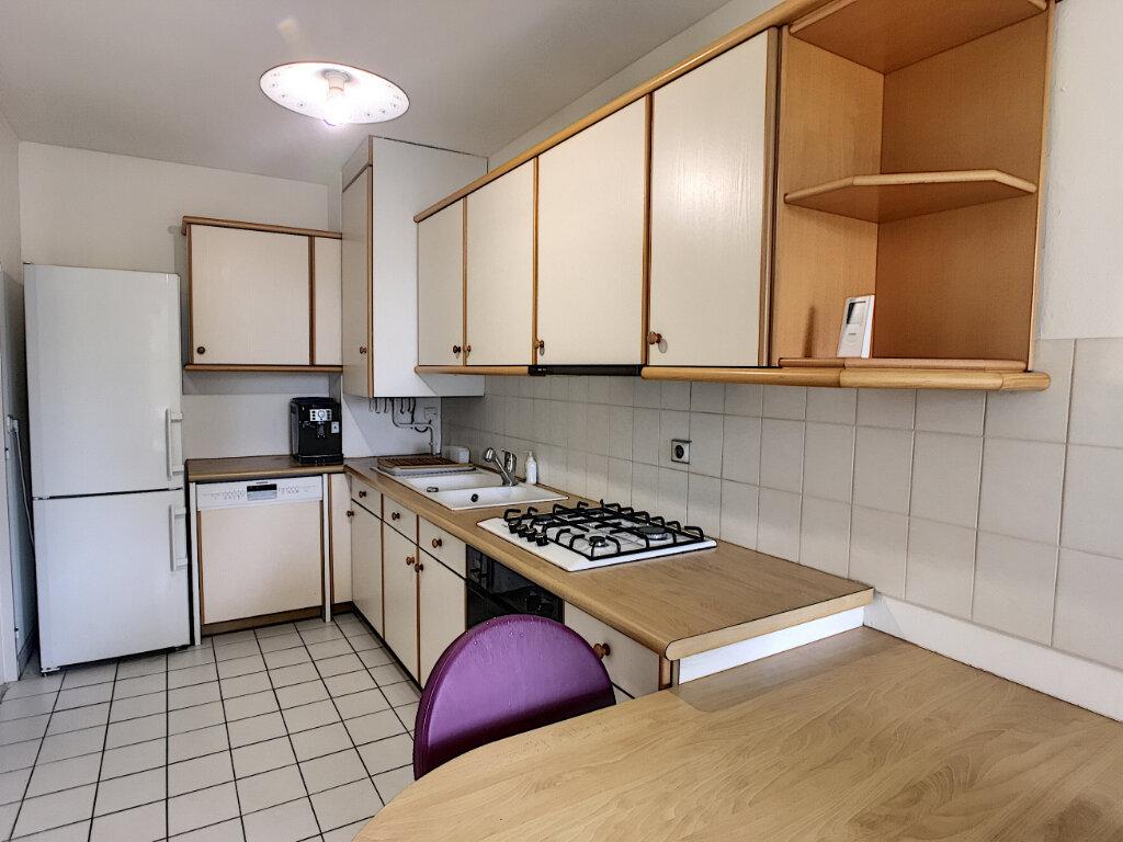 Appartement à vendre 3 70.65m2 à Pau vignette-3