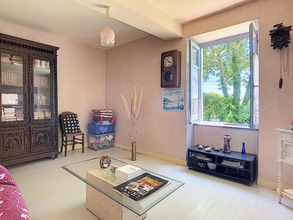 Maison à vendre 11 250.1m2 à Pionsat vignette-4