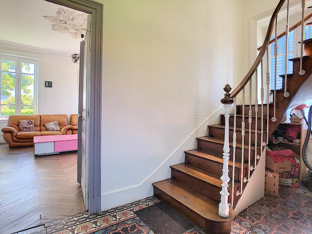 Maison à vendre 11 250.1m2 à Pionsat vignette-10