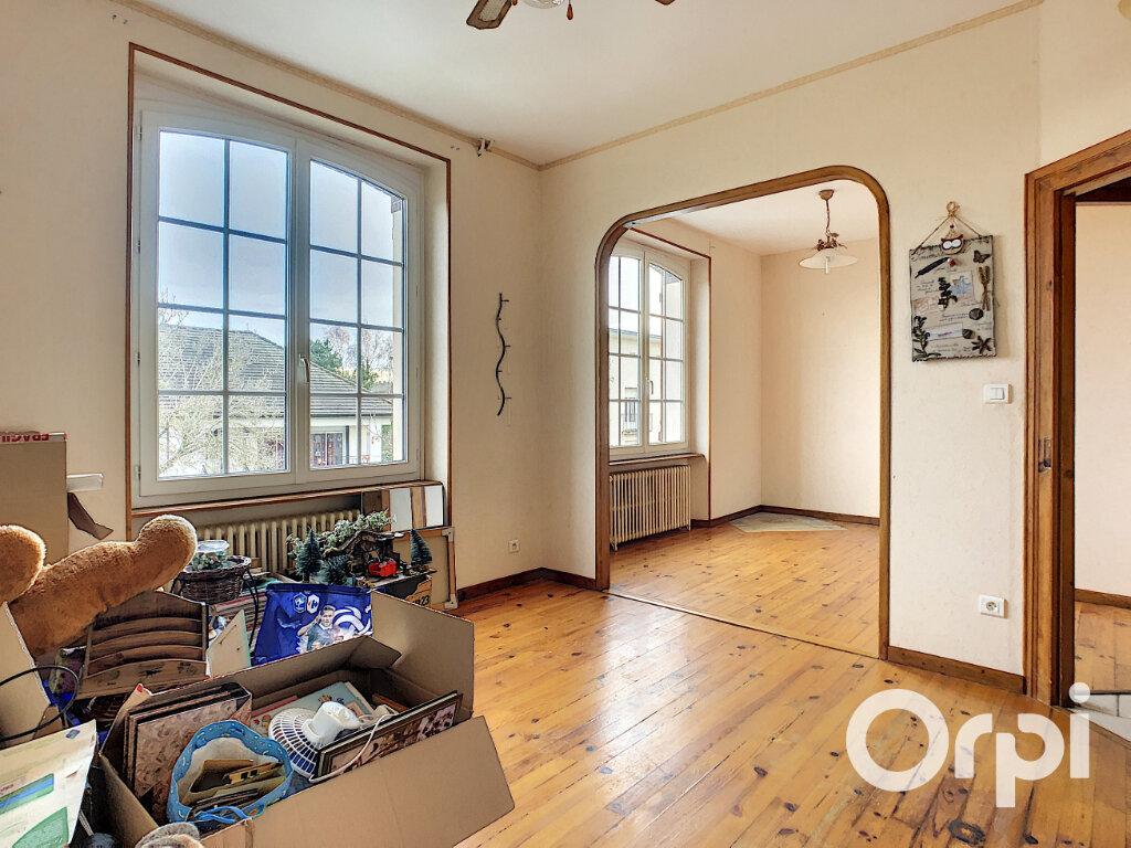 Maison à vendre 4 102m2 à Saint-Éloy-les-Mines vignette-4
