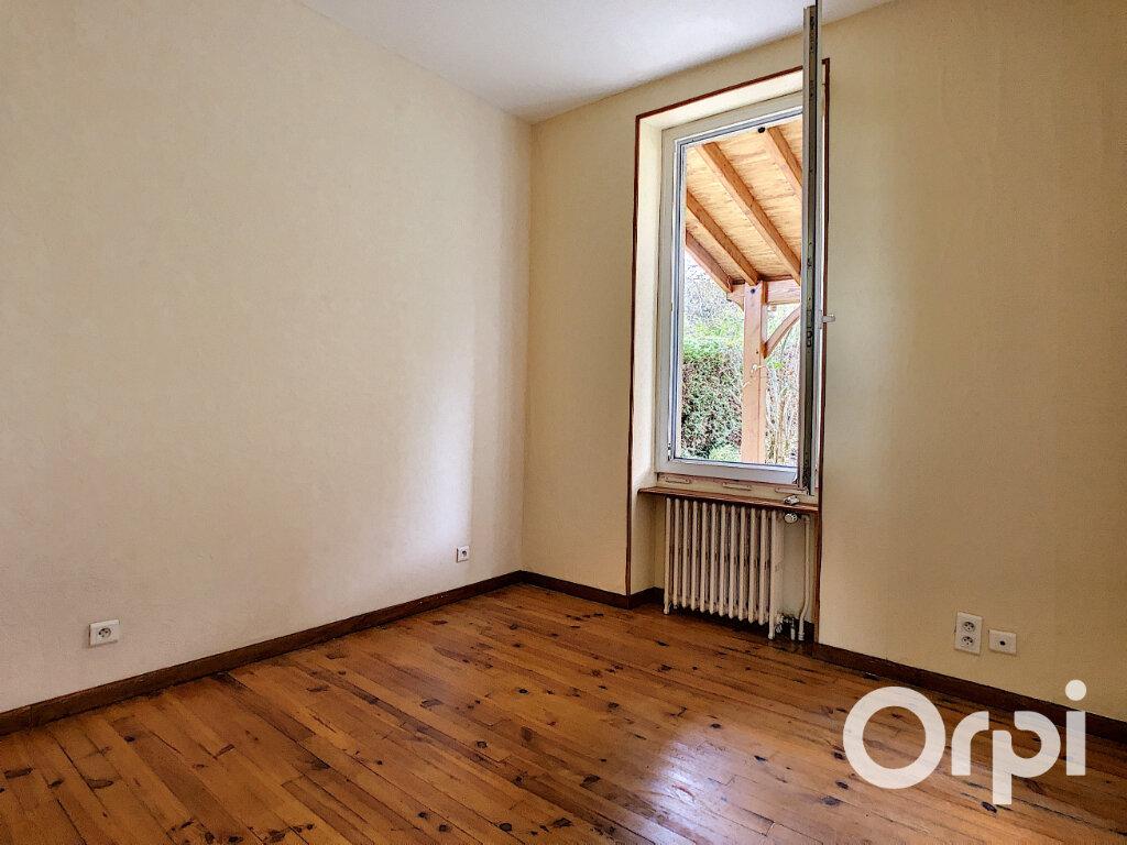 Maison à vendre 4 102m2 à Saint-Éloy-les-Mines vignette-7