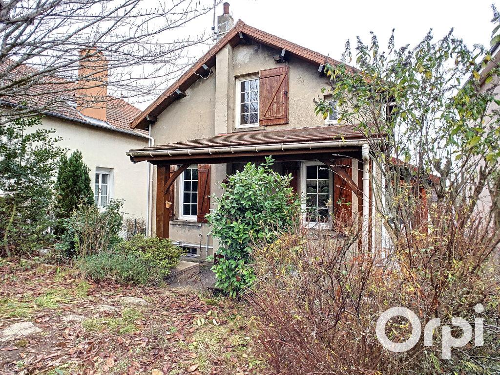 Maison à vendre 4 102m2 à Saint-Éloy-les-Mines vignette-13