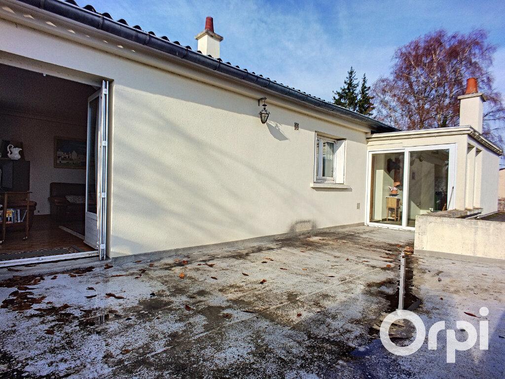 Maison à vendre 4 100m2 à Saint-Priest-des-Champs vignette-1