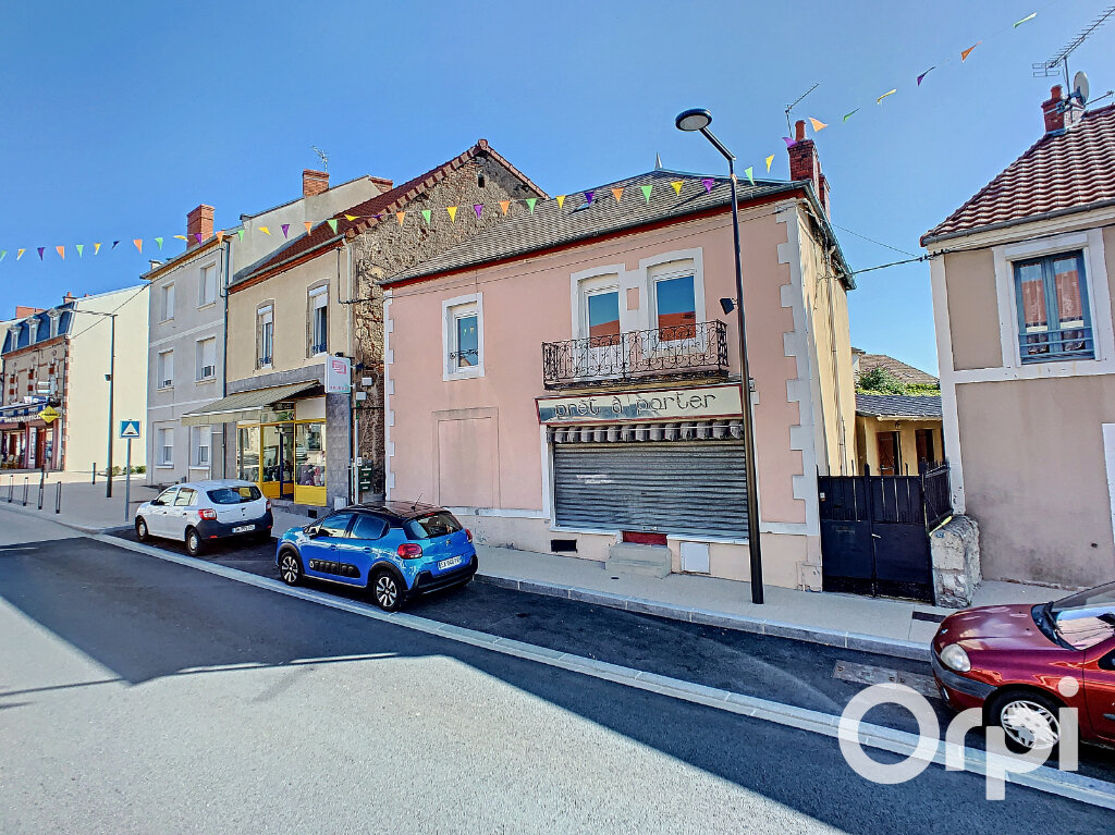 Maison à vendre 4 116.4m2 à Saint-Éloy-les-Mines vignette-1
