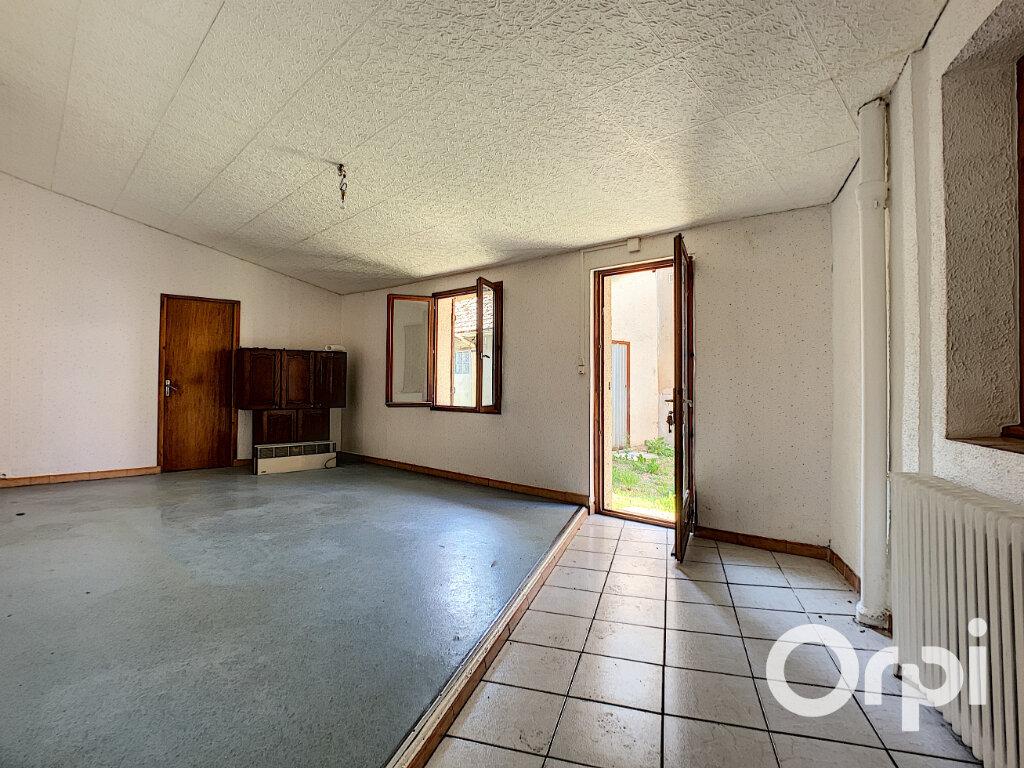 Maison à vendre 4 116.4m2 à Saint-Éloy-les-Mines vignette-2