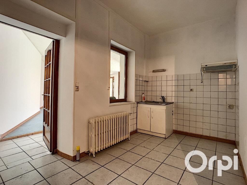 Maison à vendre 4 116.4m2 à Saint-Éloy-les-Mines vignette-5