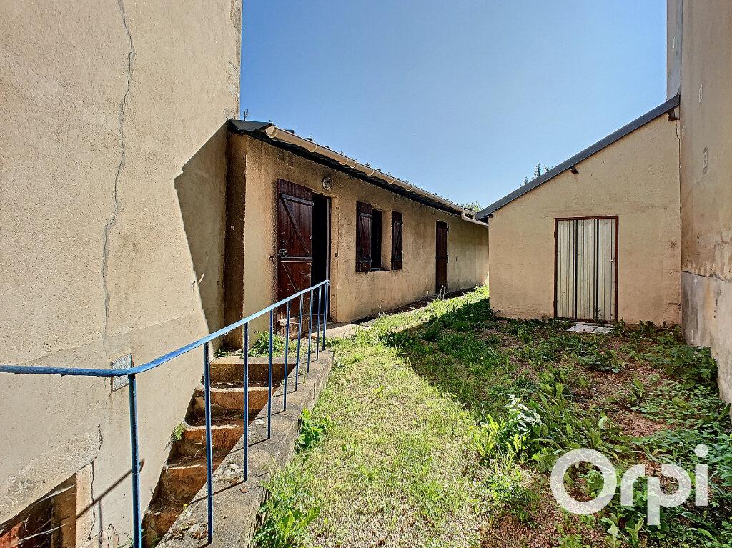 Maison à vendre 4 116.4m2 à Saint-Éloy-les-Mines vignette-13