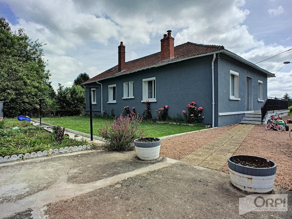 Maison à vendre 7 150m2 à Saint-Éloy-les-Mines vignette-1