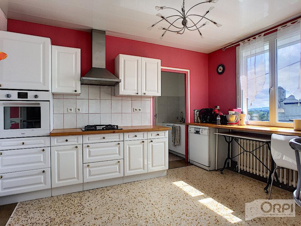 Maison à vendre 7 150m2 à Saint-Éloy-les-Mines vignette-6