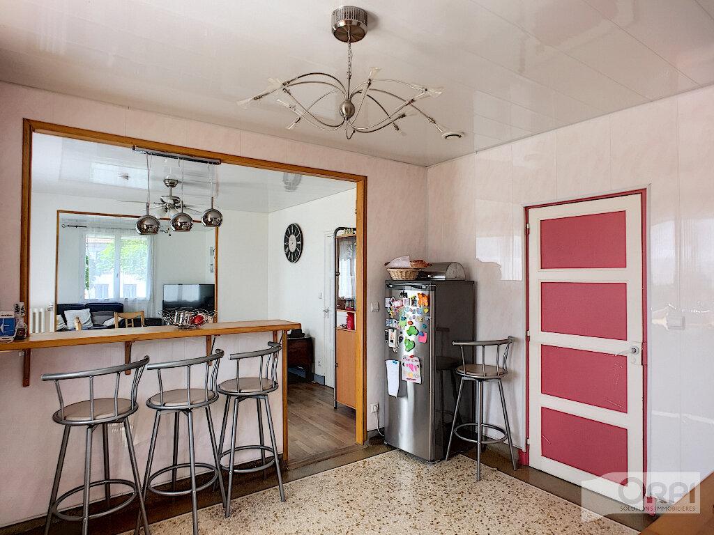 Maison à vendre 7 150m2 à Saint-Éloy-les-Mines vignette-7