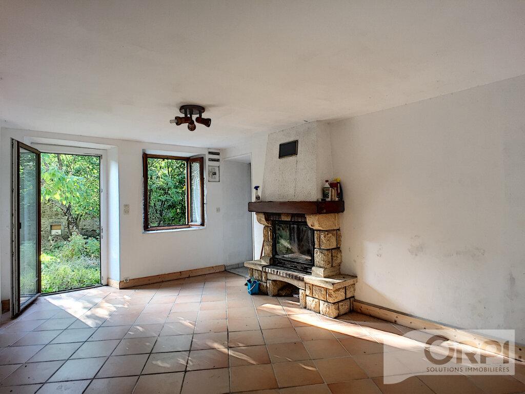 Maison à vendre 6 105m2 à Gouttières vignette-2