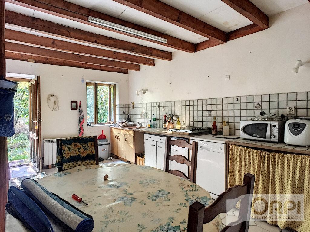 Maison à vendre 6 105m2 à Gouttières vignette-3
