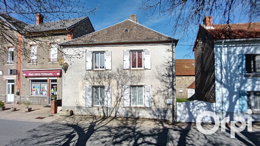 Maison à vendre 6 150m2 à Saint-Priest-des-Champs vignette-1