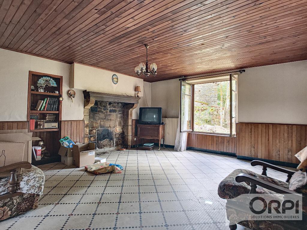 Maison à vendre 5 129.6m2 à Saint-Marcel-en-Marcillat vignette-2