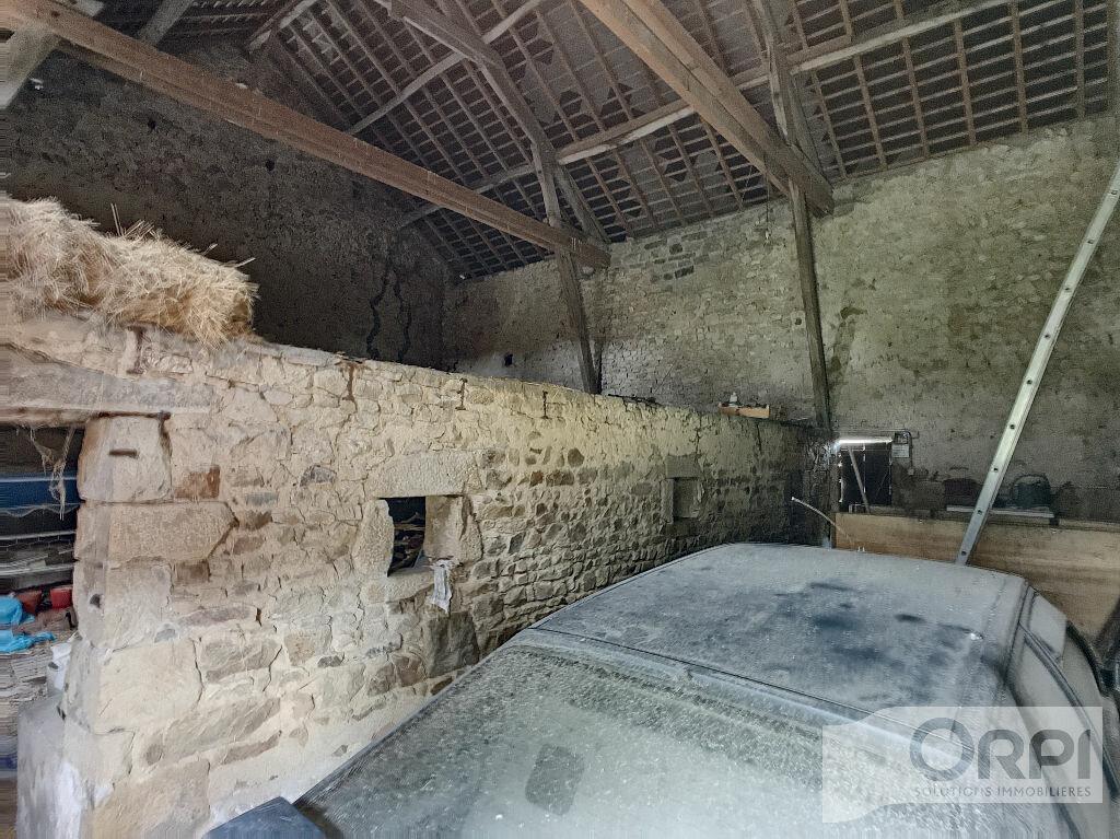 Maison à vendre 5 129.6m2 à Saint-Marcel-en-Marcillat vignette-15