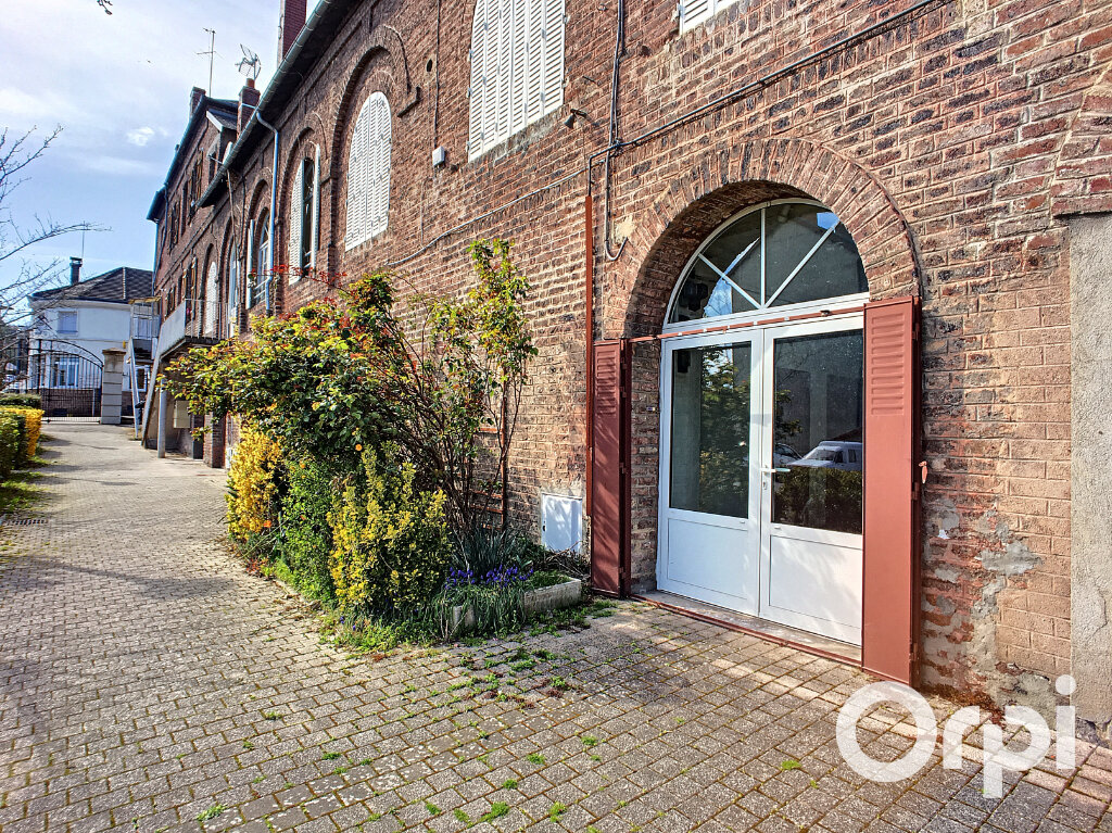 Appartement à vendre 3 54.73m2 à Saint-Éloy-les-Mines vignette-1