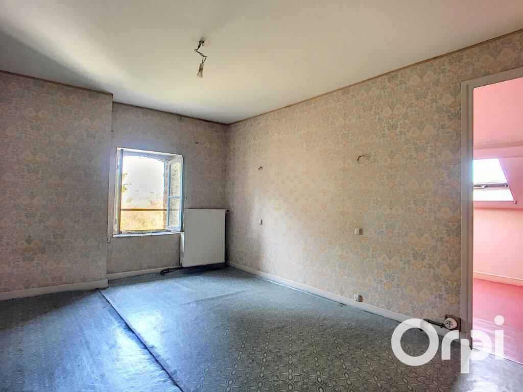 Appartement à vendre 3 54.73m2 à Saint-Éloy-les-Mines vignette-5