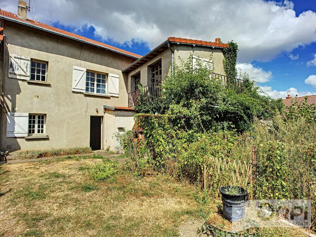 Maison à vendre 4 122m2 à Saint-Éloy-les-Mines vignette-6
