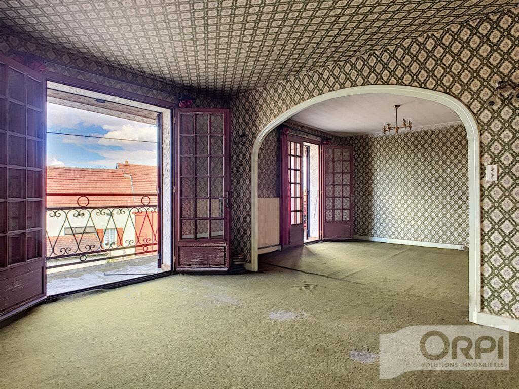 Maison à vendre 4 122m2 à Saint-Éloy-les-Mines vignette-9