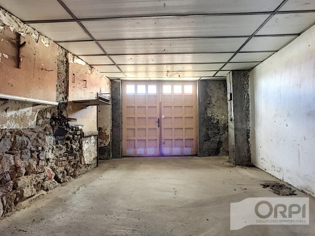 Maison à vendre 4 122m2 à Saint-Éloy-les-Mines vignette-12
