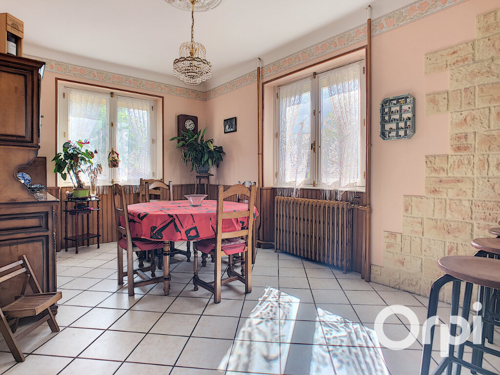 Maison à vendre 5 125.5m2 à Saint-Éloy-les-Mines vignette-1