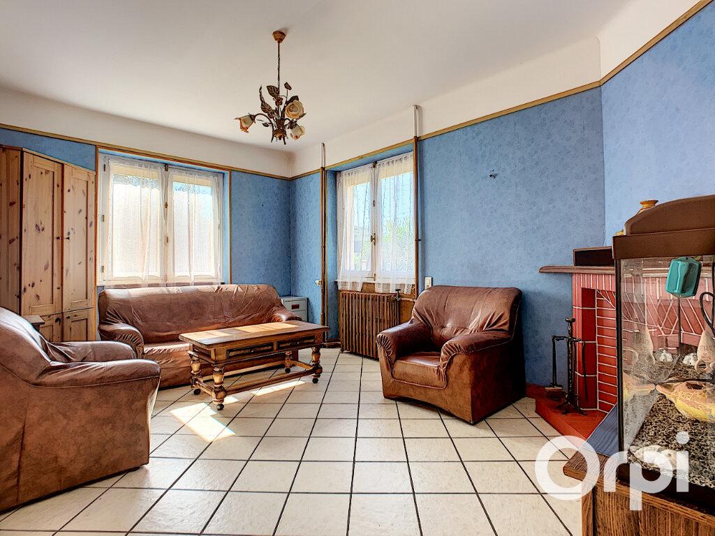 Maison à vendre 5 125.5m2 à Saint-Éloy-les-Mines vignette-2