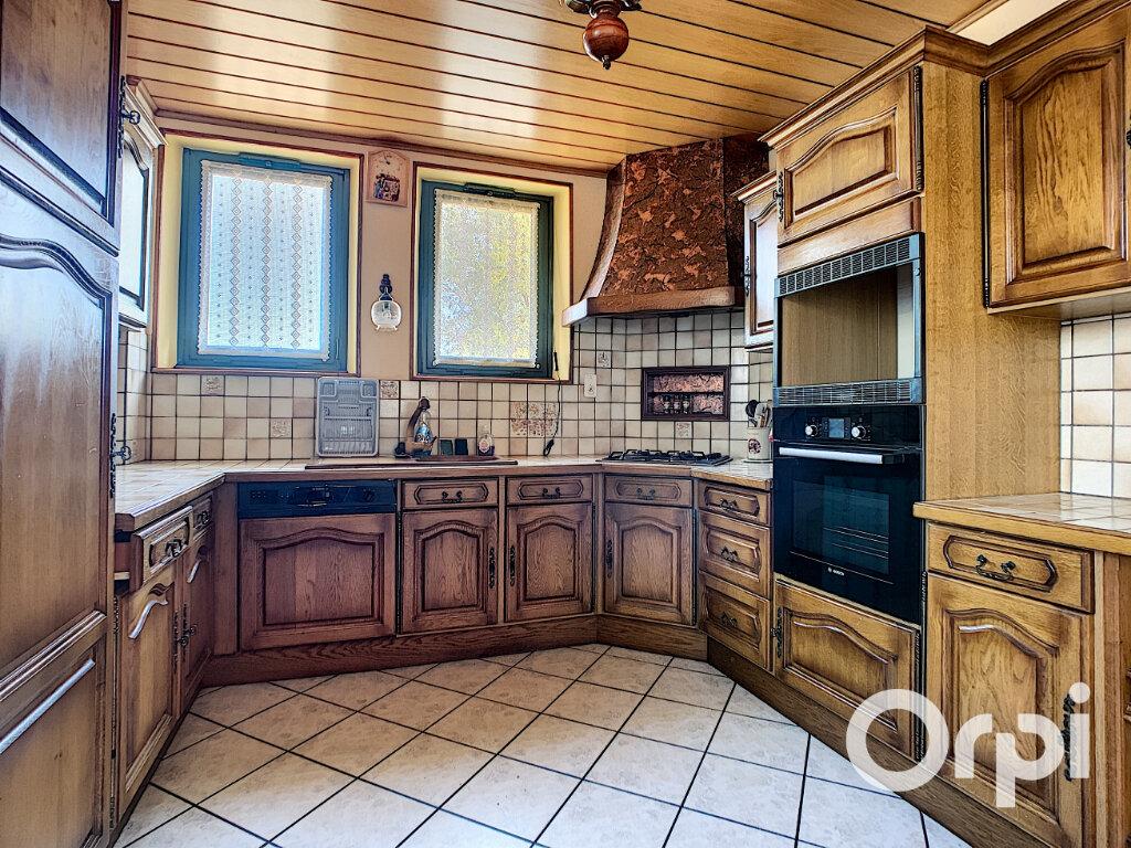 Maison à vendre 5 125.5m2 à Saint-Éloy-les-Mines vignette-3