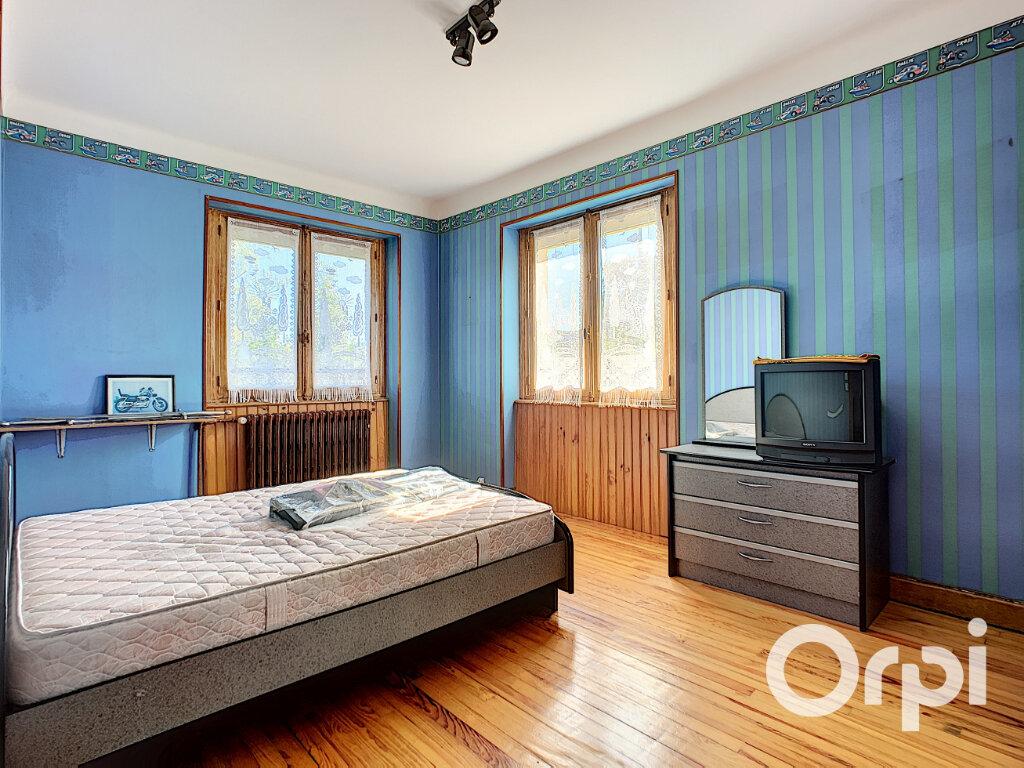 Maison à vendre 5 125.5m2 à Saint-Éloy-les-Mines vignette-5