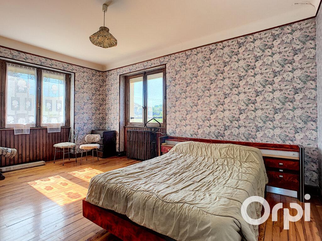 Maison à vendre 5 125.5m2 à Saint-Éloy-les-Mines vignette-6