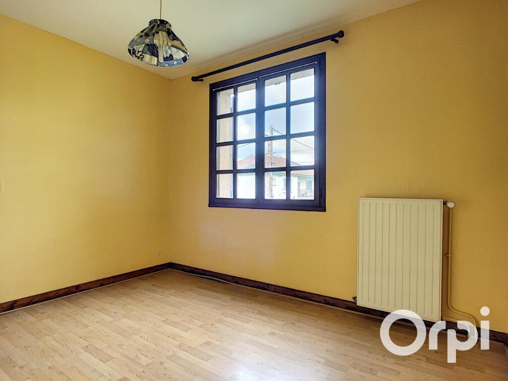 Maison à vendre 6 161m2 à Montaigut vignette-3