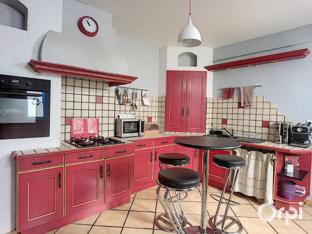 Maison à vendre 5 112m2 à Saint-Éloy-les-Mines vignette-1