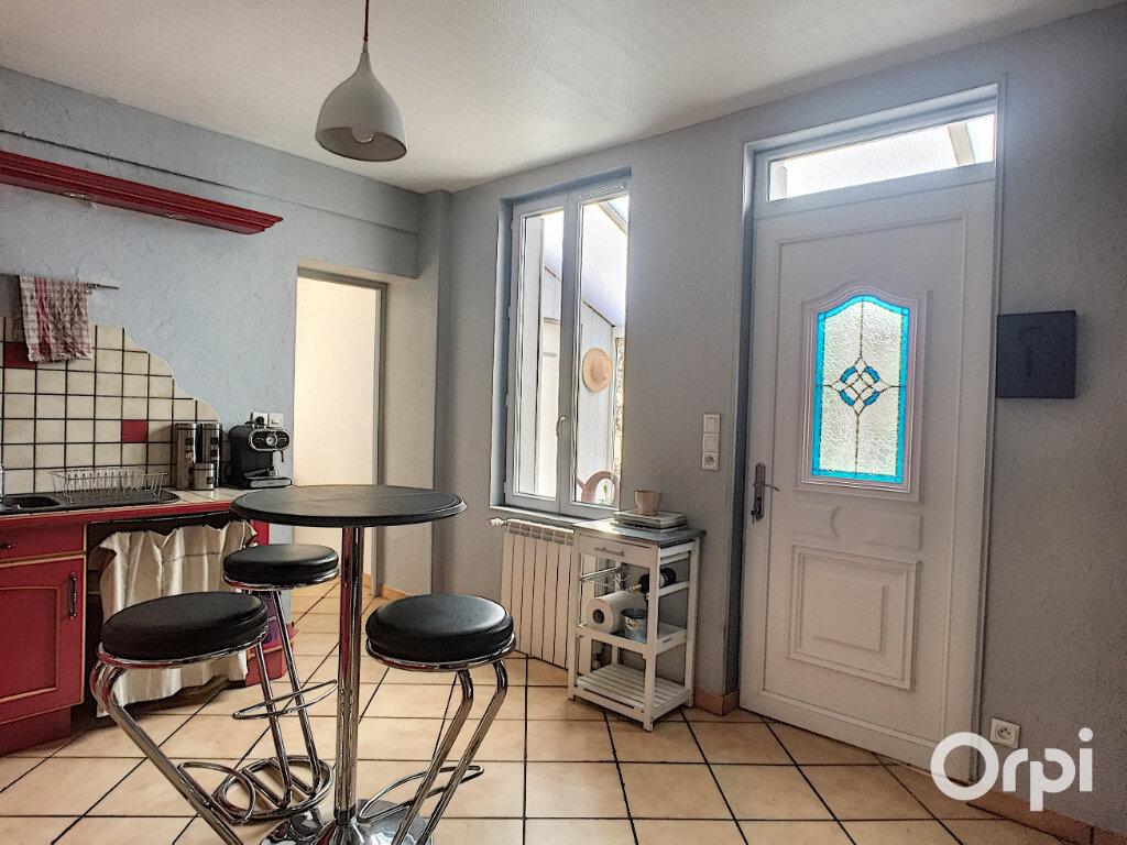 Maison à vendre 5 112m2 à Saint-Éloy-les-Mines vignette-2