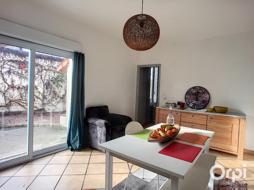 Maison à vendre 5 112m2 à Saint-Éloy-les-Mines vignette-6