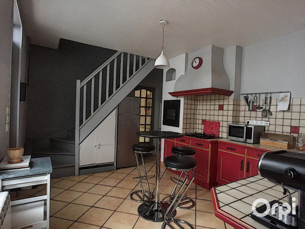 Maison à vendre 5 112m2 à Saint-Éloy-les-Mines vignette-7