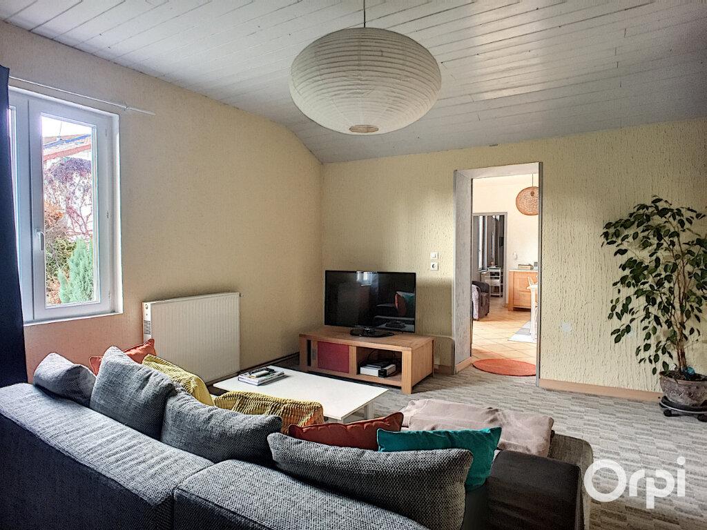 Maison à vendre 5 112m2 à Saint-Éloy-les-Mines vignette-9