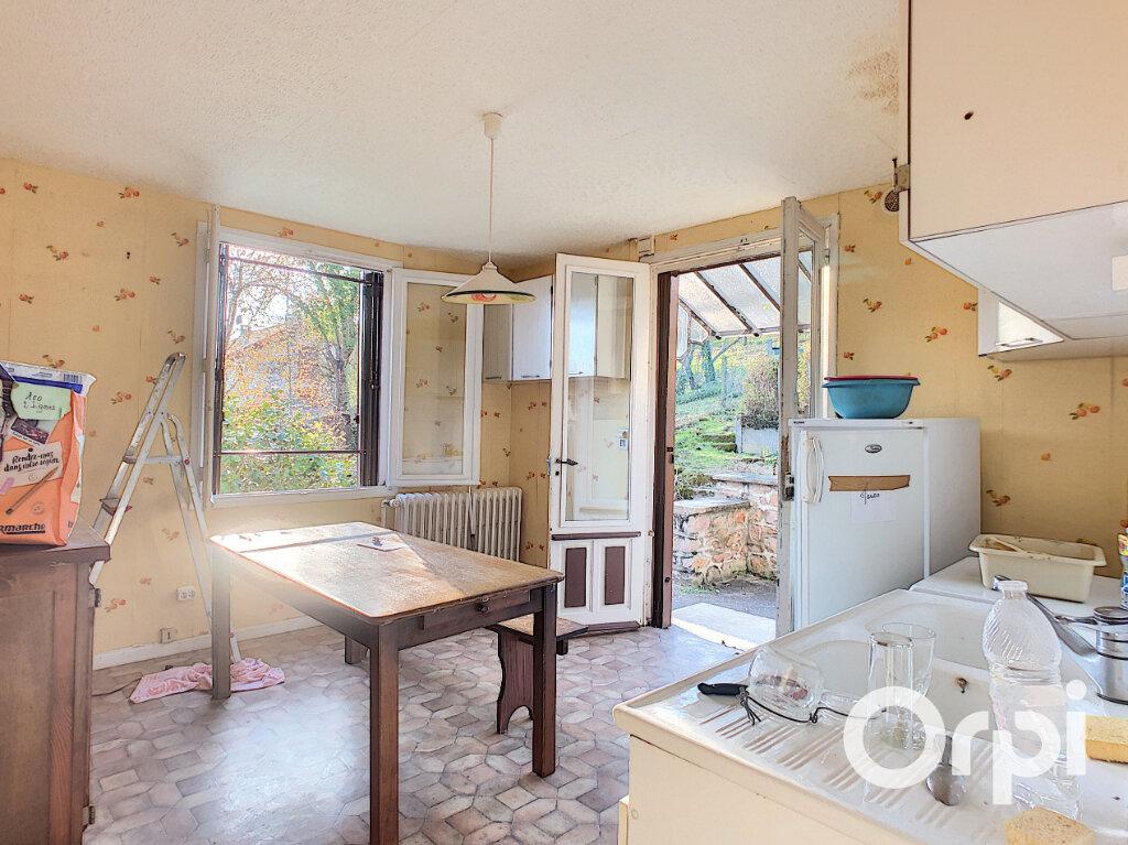 Maison à vendre 5 113m2 à Saint-Éloy-les-Mines vignette-3