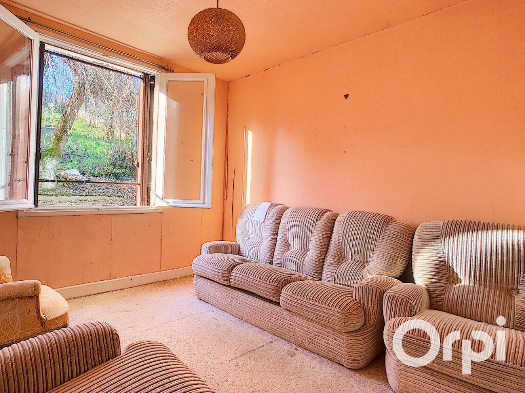 Maison à vendre 5 113m2 à Saint-Éloy-les-Mines vignette-4